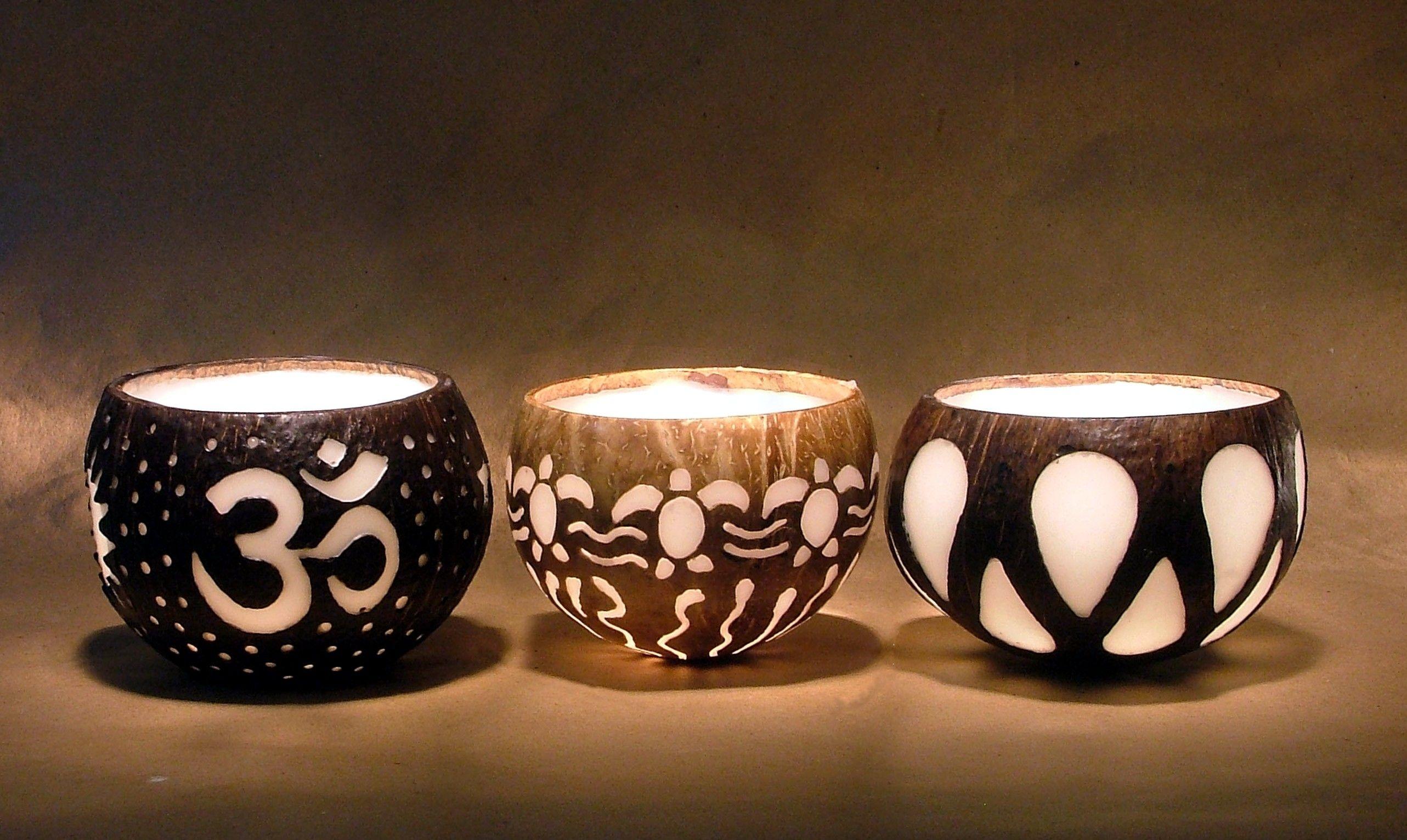 Velas e  Luminárias feitas na casca do coco seco.