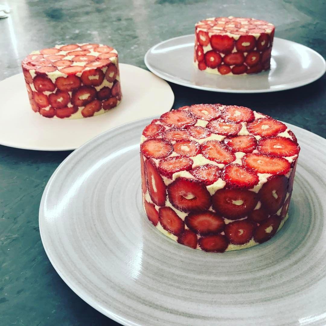 "4,483 Likes, 32 Comments - Yann Couvreur 🦊 (@yanncouvreur) on Instagram: ""Masterclass fraisier @danontlv 🍓• • • #foxintlv #danon #school #ycpatisserie"""