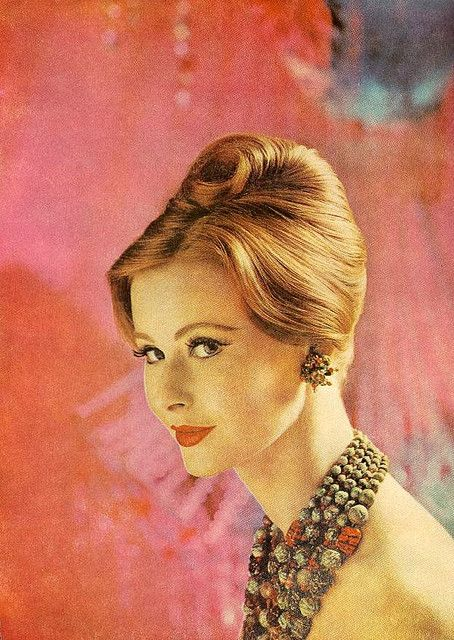 Holiday Hair Christmas Hairstyles 1960s And Elegant