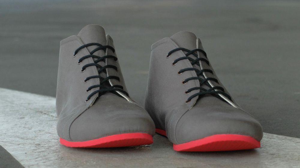 6c41df8b28 SORBAS Shoes Berlin - SORBAS  66 organic cotton high-top sneakers in grey    poppy red