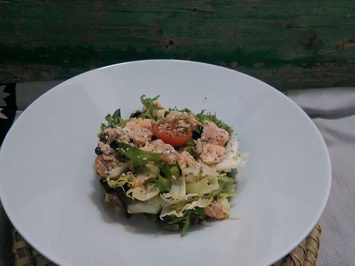 Ensalada de salmón fresco. #GourmetBilbao