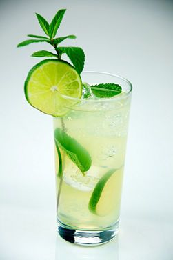 how to make many variations of mojitos- finally a use for all that spearmint growing wild in my yard.