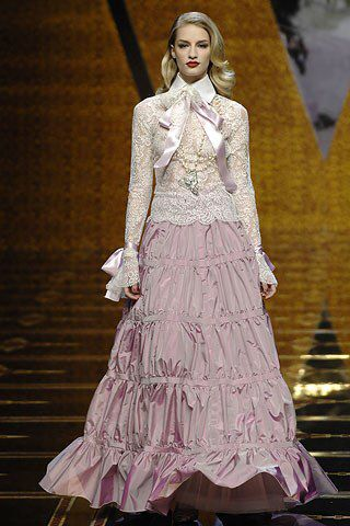 Valentino Fall 2007 Ready-to-Wear Fashion Show Collection