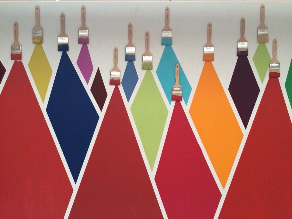 Une Selection Des Couleurs Vives Autentico Mobilier De Salon Meubles Peints Peinture