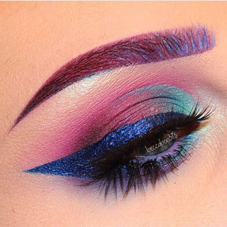 Here S A Sofia The First Inspired Makeup By Beccaboo318 She Used Sea Breeze Market Denarau Levu And Coast From Makeup Fantasy Makeup Makeup Inspiration