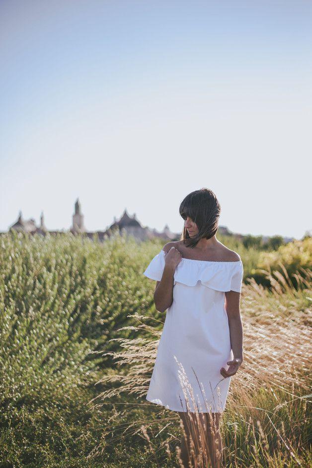 Biala Sukienka Hiszpanka Z Falbana Sistu Sukienki Bez Ramiaczek Moda Fashion Fashion White Dress