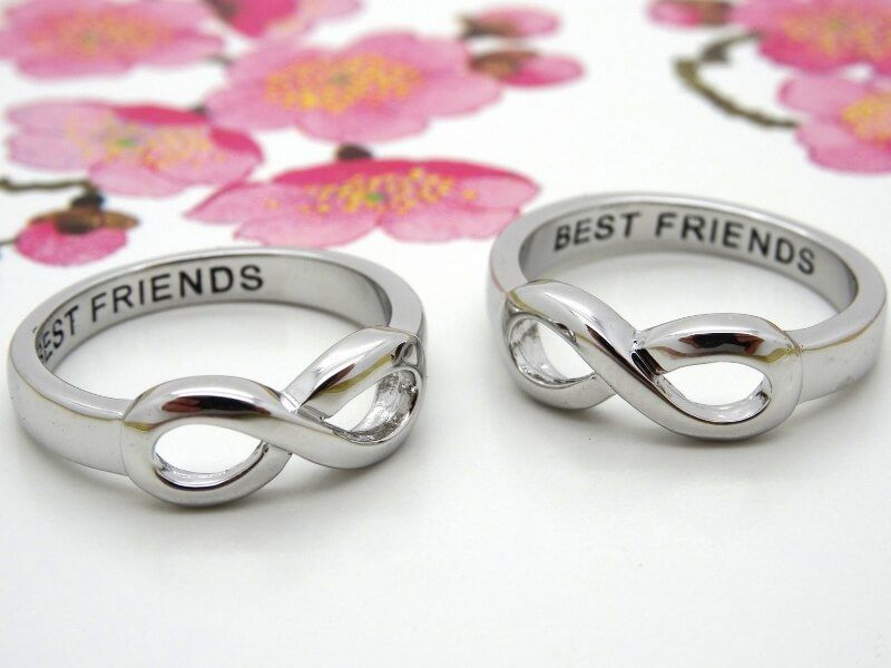 What Is The Definition Of A Friendship Ring Friend Rings