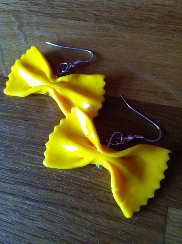 boucles d 39 oreilles farfalle en fimo fimo pinterest. Black Bedroom Furniture Sets. Home Design Ideas