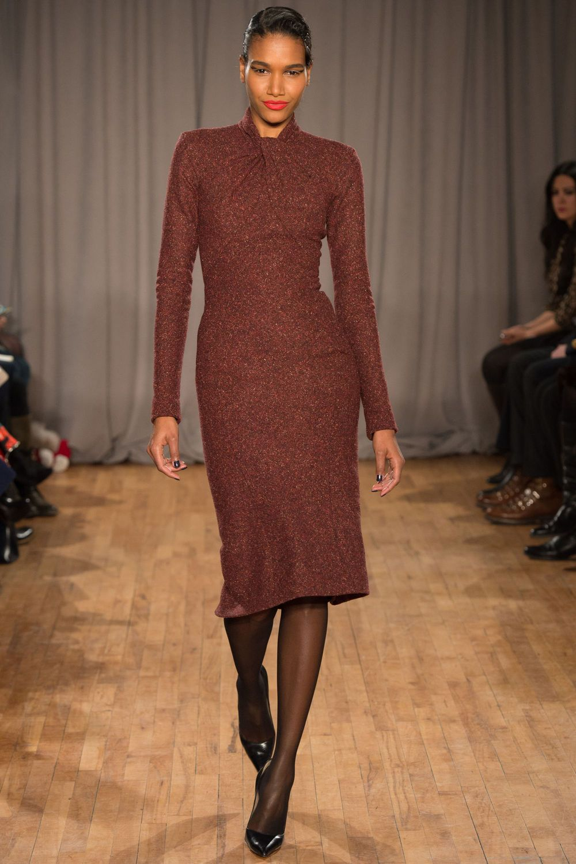http://www.vogue.de/fashion-shows/kollektionen/herbst-2014/new-york/zac-posen/runway/00040h