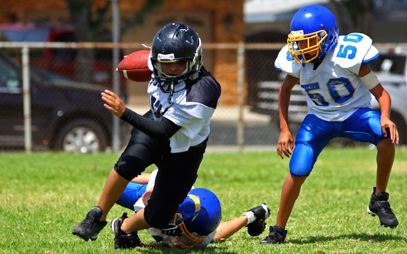 How Young Football Players Can Avoid Concussion And Injury Youth
