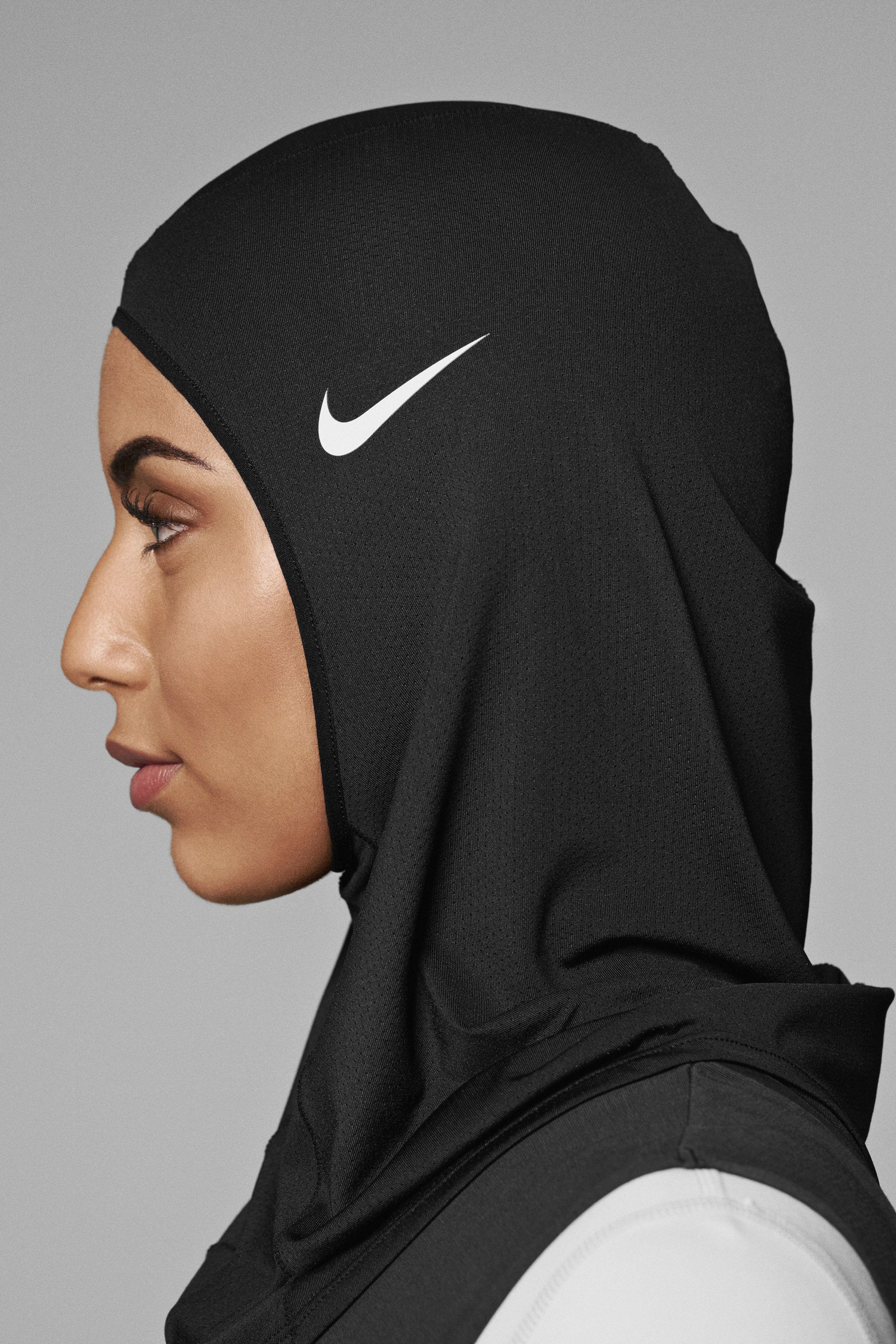 4b885077b555 Nike Pro Hijab