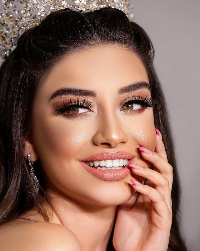 Jale Huseinova On Instagram Photo By Togrul Abbasov Black Makeup Cool Girl Model