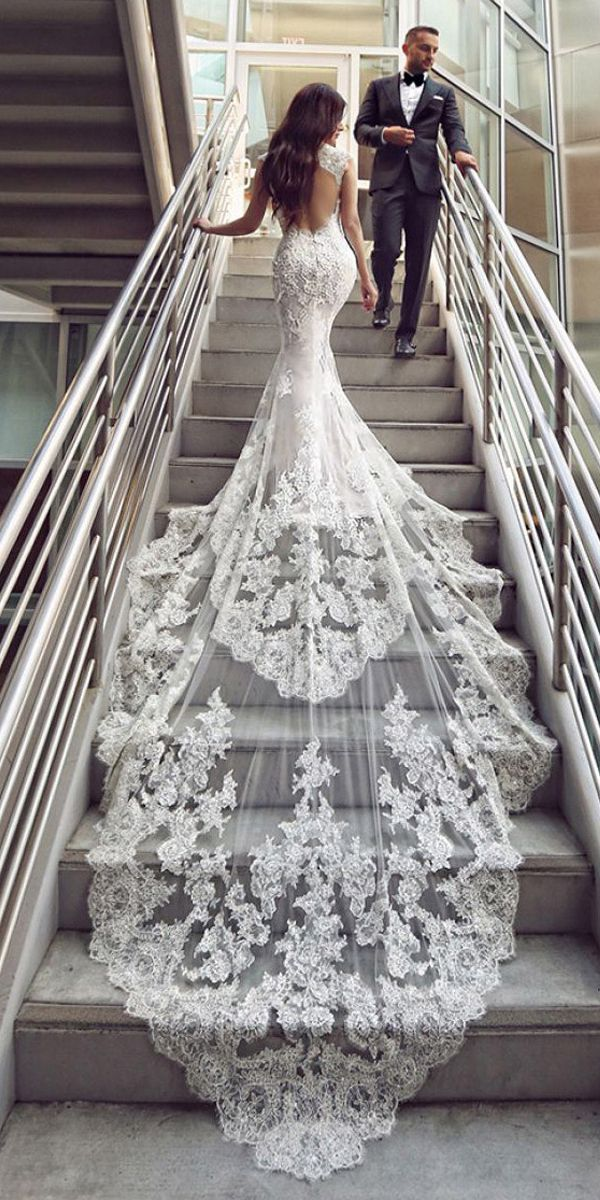 [276.50] Romantic Tulle Floor-length Mermaid Wedding Dresses With Beadings & Lace Appliques