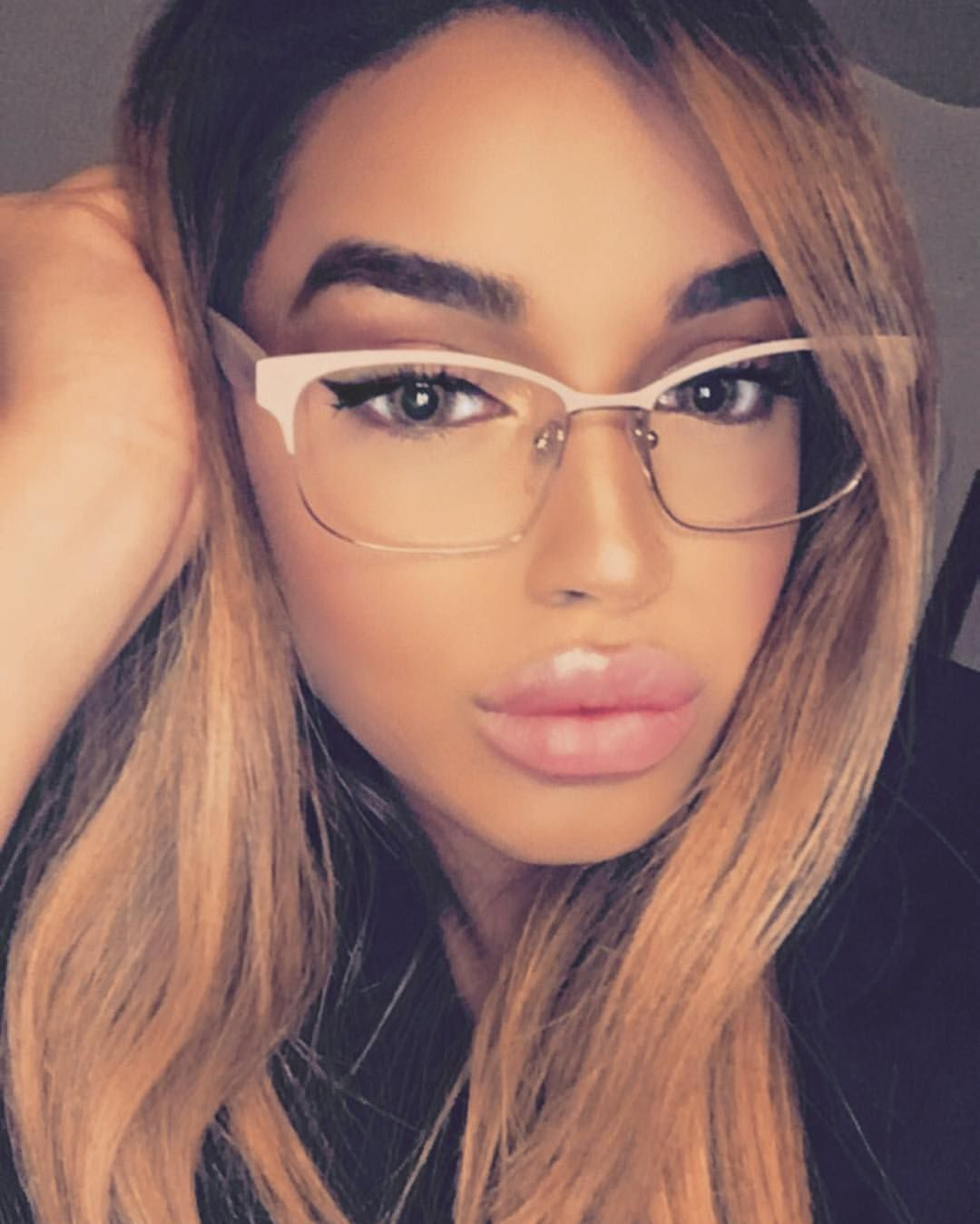 ef15ad879039a Pin by D W A L K on Beautiful Women in 2019   Women, Beauty, Instagram