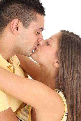 Kissing mechanics