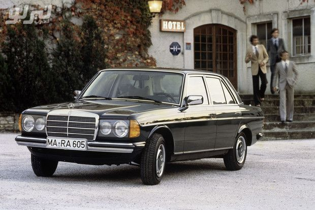 صور مرسيدس بنز تحتفل بالذكرى الـ40 لسيارة اي كلاس W123 موقع تيربو العرب Mercedes W123 Mercedes Benz Cars Benz