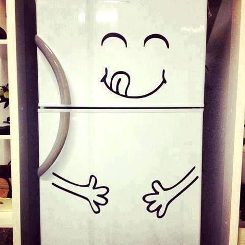Un frigorifero che si apre solamente se gli sorridete, l'invenzione sviluppata dai ricercatori dell'università di Tokio. che cosa pensate?
