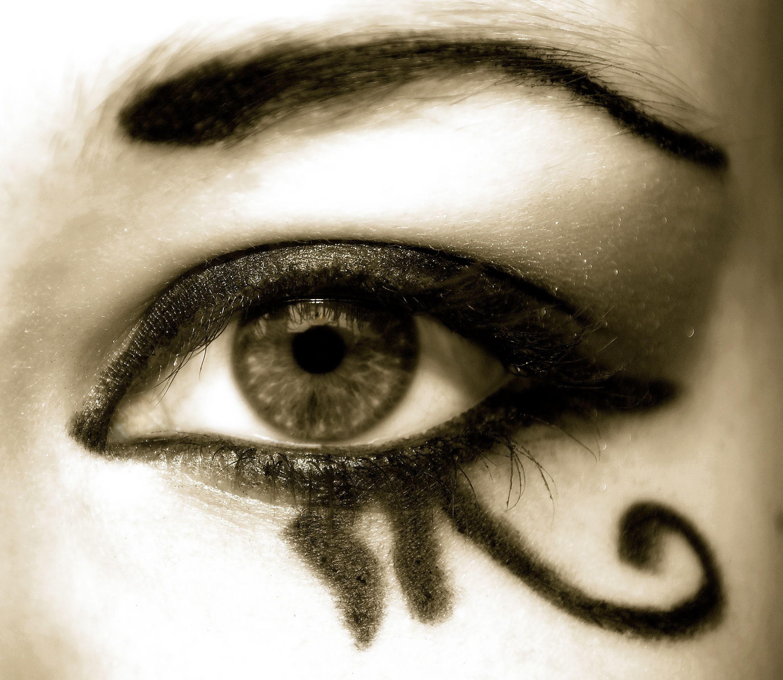 Egyptian Eye Of Horus Makeup | www.pixshark.com - Images ...