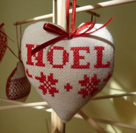 Noel cross stitch christmas tree heart decoration