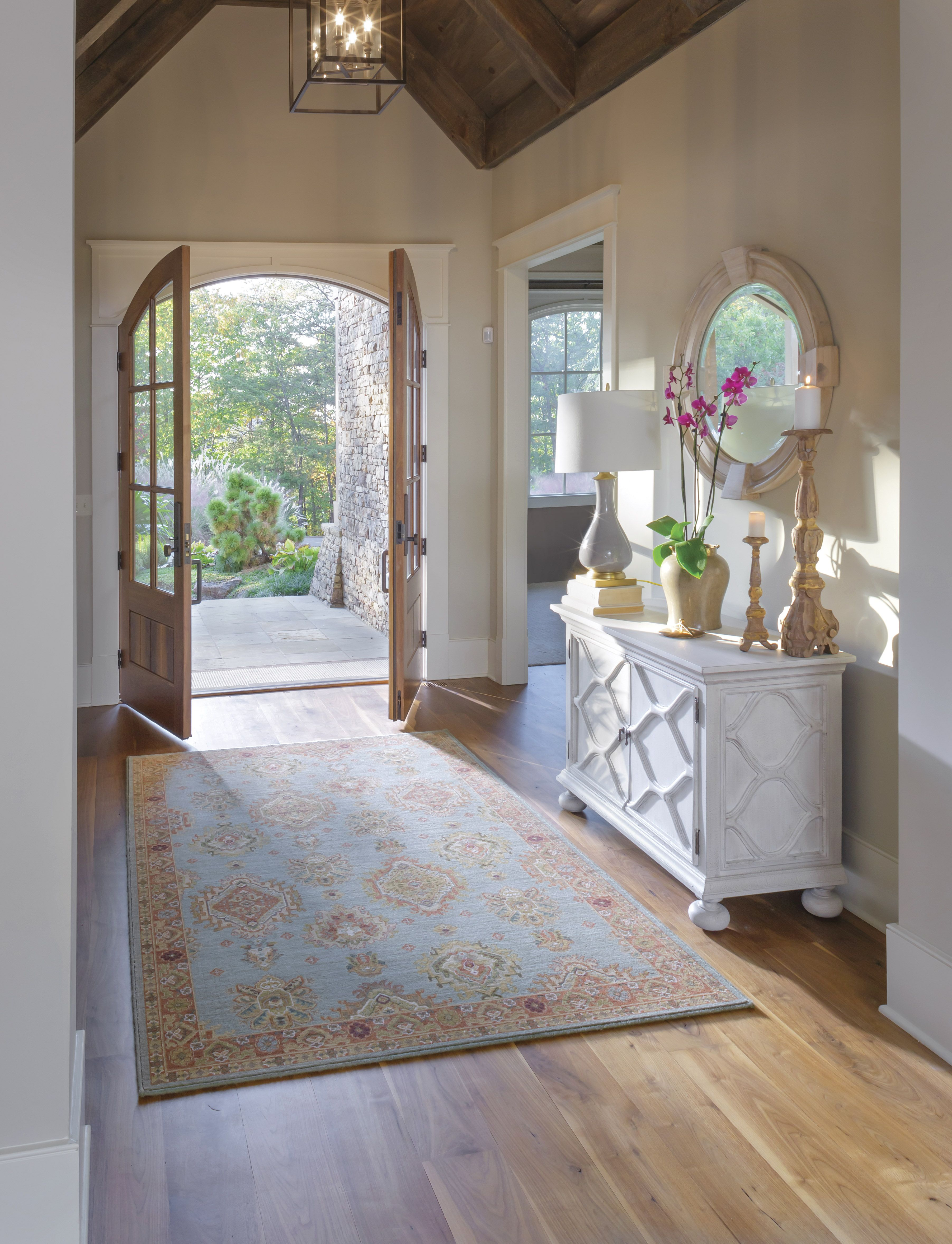 Beautiful Entry Way Entrance Love The Big Area Rug Hall Colour Entrance Hall Decor Entrance Hall