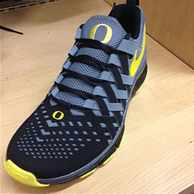 Oregon Baseball Nike Shoes - NikeBlog.com