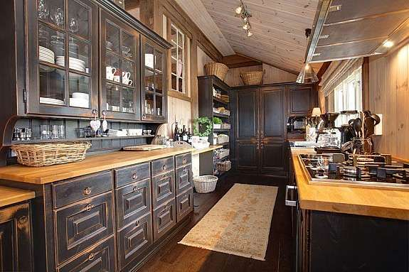 Even I Would Enjoy Cooking in This Galley Style Kitchen! Wouldn't Mind Cleaning it up, either!