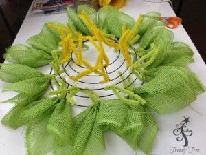 sunflower-burlap-ribbon-center-two-layers-petals-around-outer-ring-blog-post