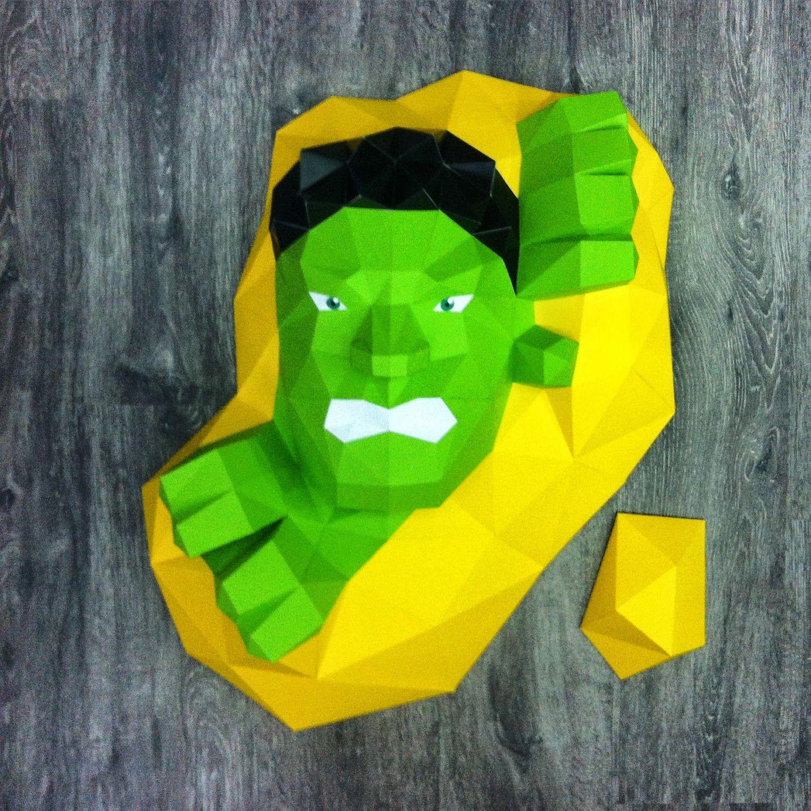 Sculpture Hulk en papier - Paper Hulk Sculpture #paper #papier #papercut #papercut #pepakura #sculpture #design #vector #hulk #thehulk #theincrediblehulk #incrediblehulk #hulksmash #marvel #avengers #theavengers