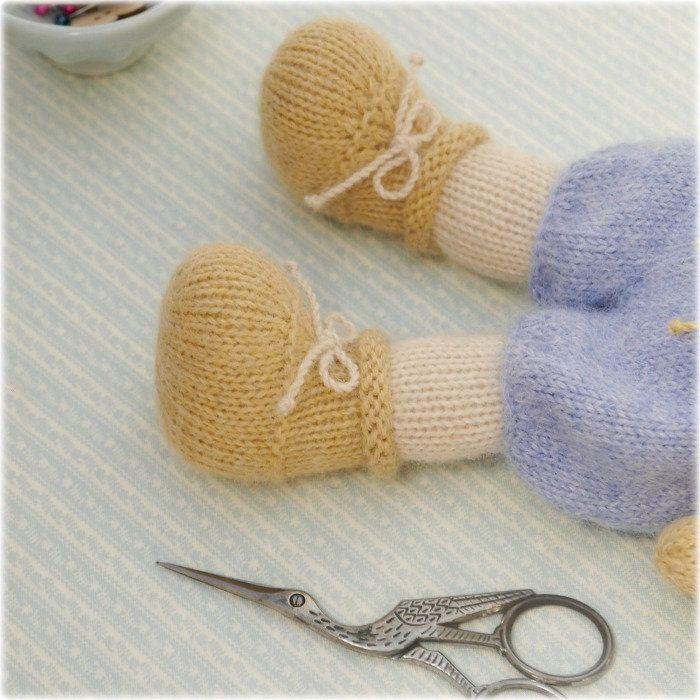 TEAROOM Bear Boots... | Mary jane tearoom | Pinterest | Stricken und ...