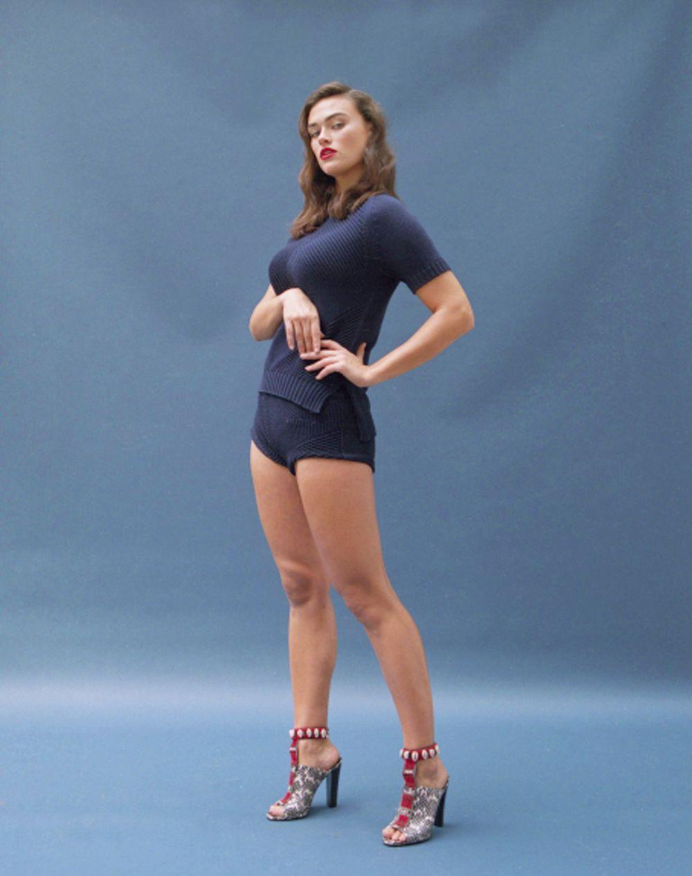 Myla Dalbesio nude 209