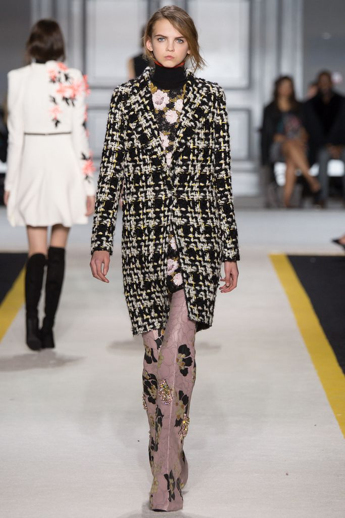 Giambattista Valli Fall 2015 Ready-to-Wear - Collection - Gallery - Style.com