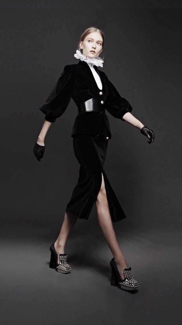 WOMEN'S AUTUMN/WINTER 2013 LOOK - Alexander McQueen