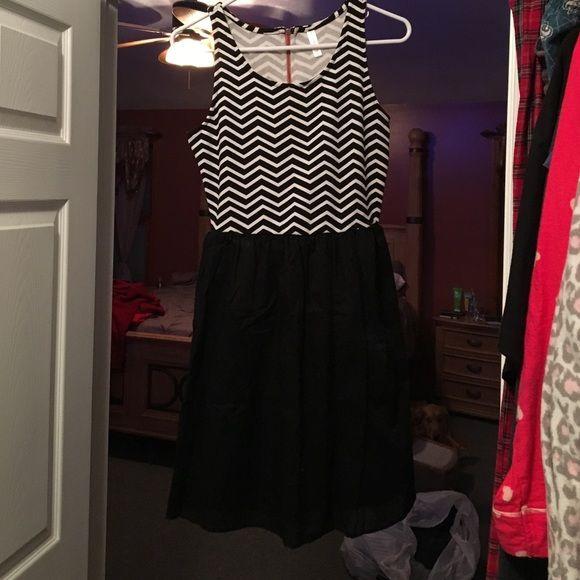 Black and white dress Black and white dress..barely worn Xhilaration Dresses Mini