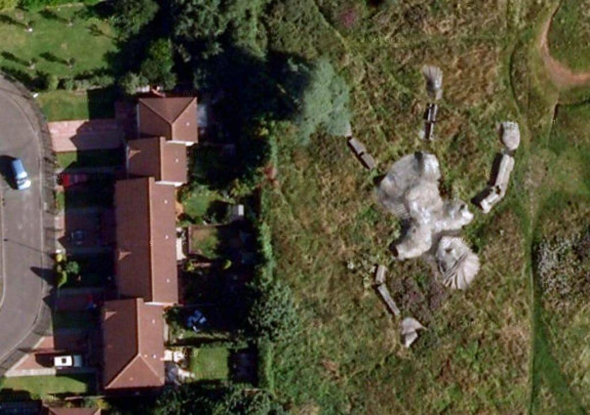 Coordinates: 55 930391,-3 118443 - Photos - Google Earth