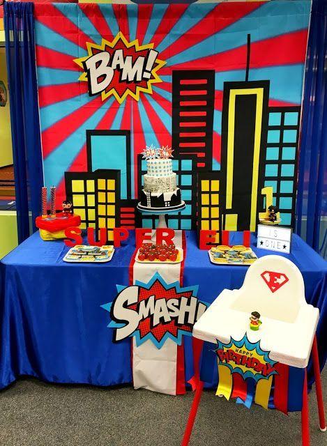 Superhero first birthday party ideas mesas fiestas y for Decoracion wonder woman