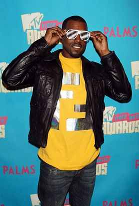 Kanye West Backstage At A Taping For The Mtv Video Music Awards In 2007 Kanye West Kanye Kanye Fashion