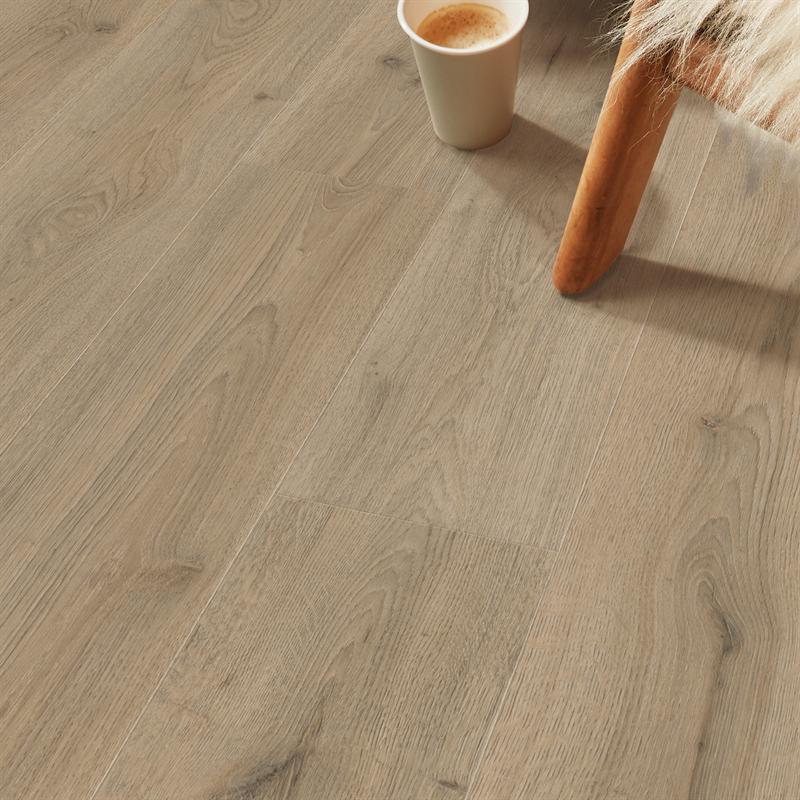 Hanwood Home 7mm 2 872sqm Mink Oak Laminate Flooring In 2020 Oak Laminate Flooring Oak Laminate Laminate Flooring