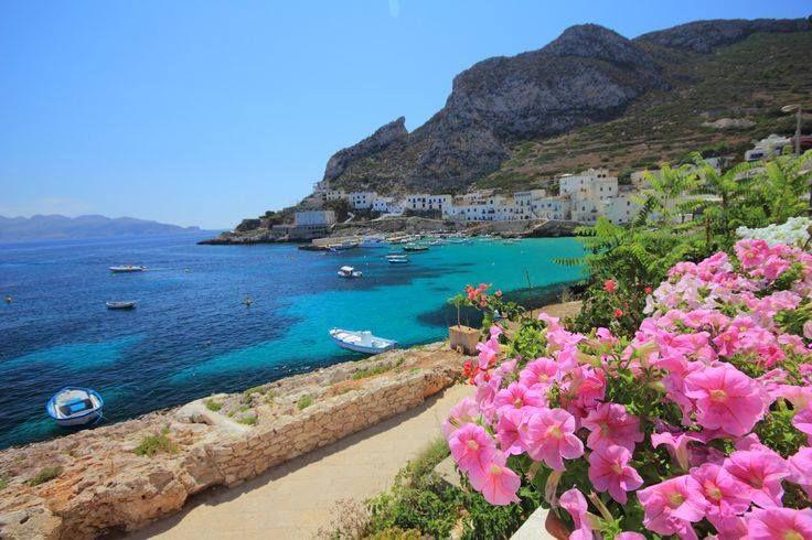 Isole Egadi, Sicilia, Italy