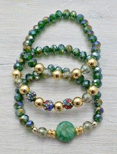 af9a2c24ab1b Combina como más te guste estas #pulseras en color verde de cristal ...