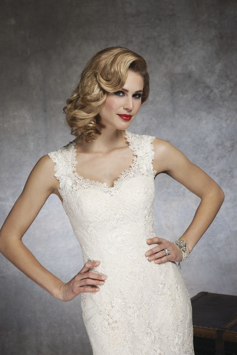 Find The Perfect Wedding Dress Neckline For Your Body Type