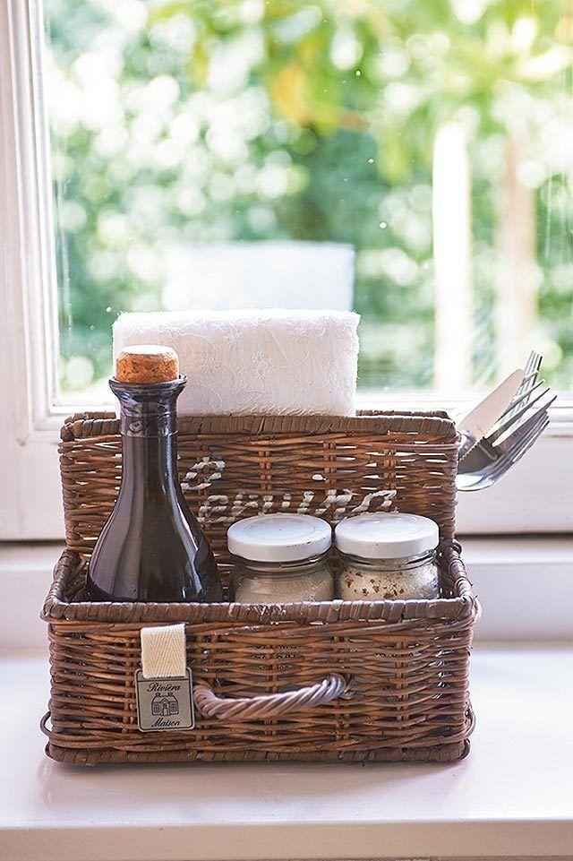 rivi ra maison rustic rattan restaurant organizer. Black Bedroom Furniture Sets. Home Design Ideas