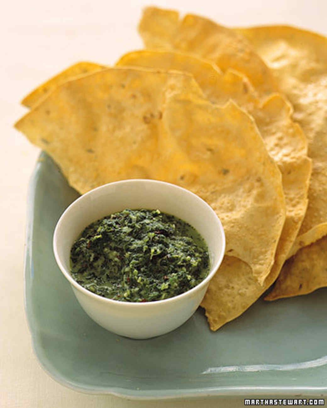 This salsa makes a wonderful dipping sauce. It can also be spooned over grilled shrimp, fish, chicken, or lamb.
