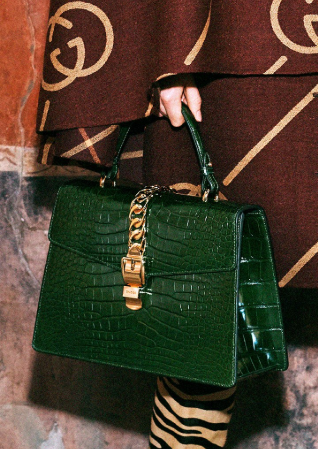 0593c7b573a7b8 Gucci Pre-Fall 2019 Fashion Show in 2019 | Handbags | Fashion bags ...