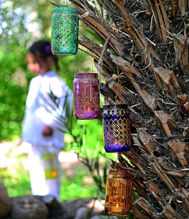 lampions en verre colorés aux motifs orientaux
