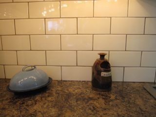 My Sister S Fresh New Backsplash Before Amp After Brown