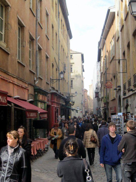 Vieux Lyon = Old Lyon.