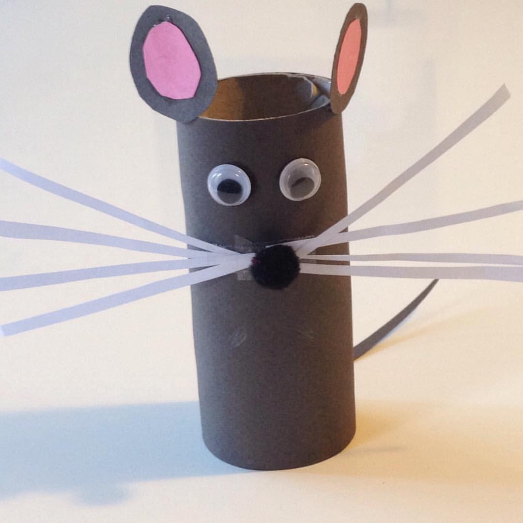Petite souris en rouleau de papier toilette wc bricolage - Bricolage rouleau papier toilette animaux ...
