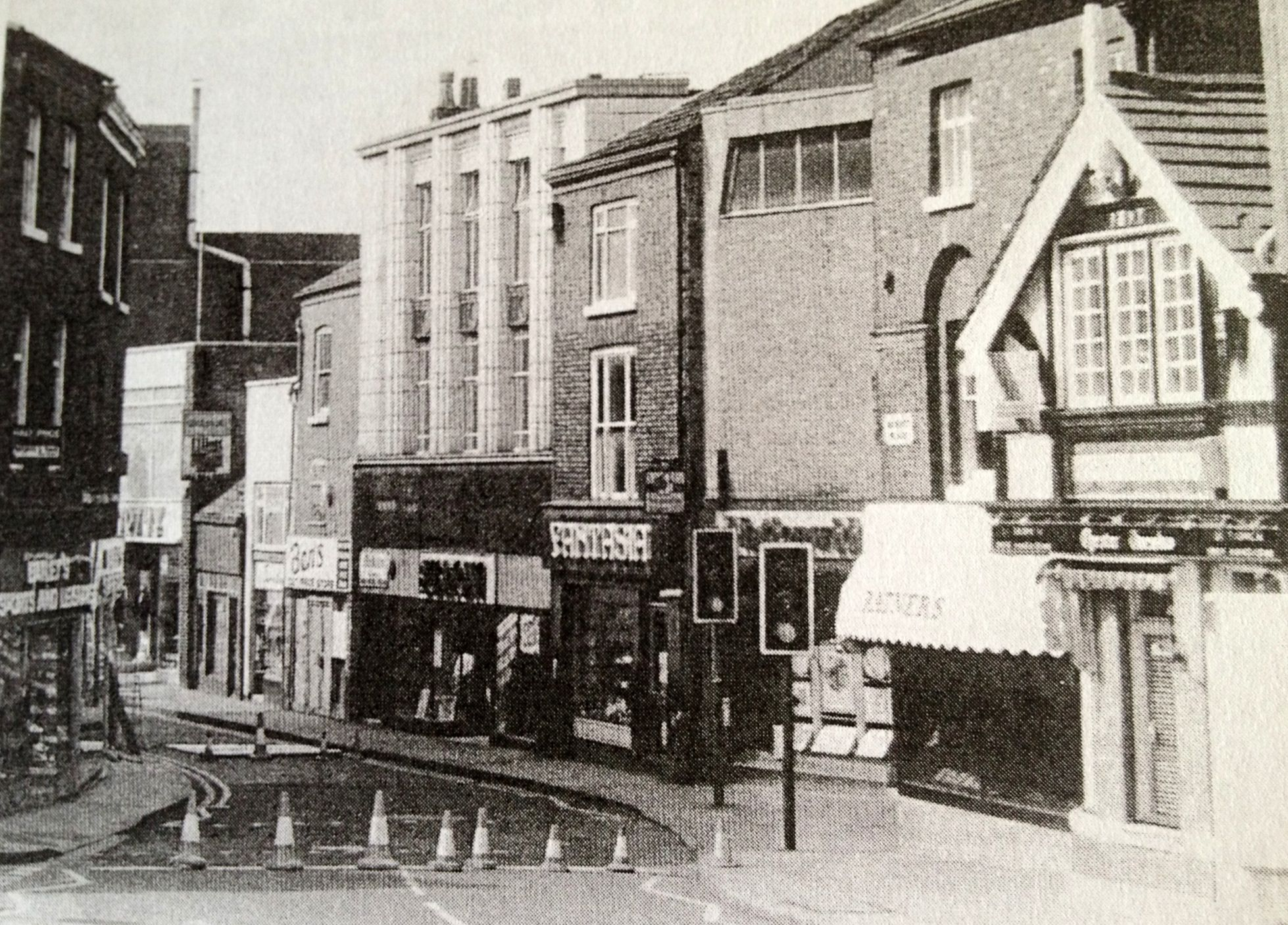 mill street in the early 80s baileys toy shop on the left on the