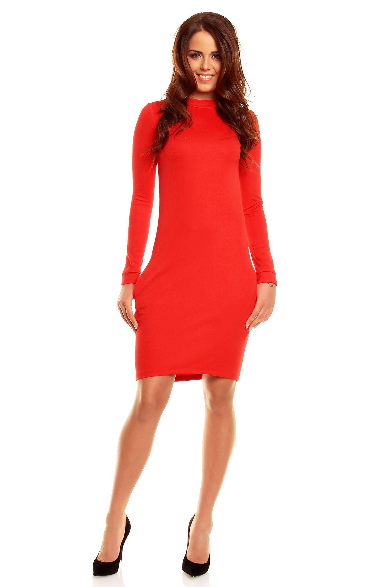 311cc6114b Czerwona gładka sukienka z zabudowanym dekoltem