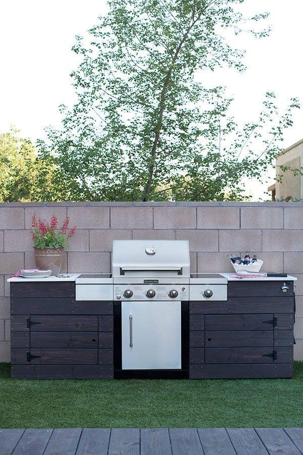 Caitlin ketcham built in grill patio style challenge 1 for Jardineria al aire libre casa pendiente